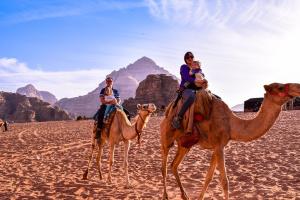 Camel Riding in Petra & Wadi Rum  07